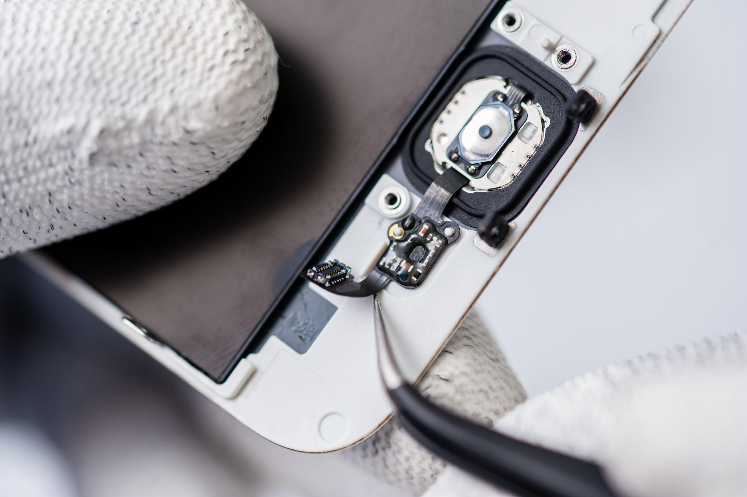 cellphone-repair-center