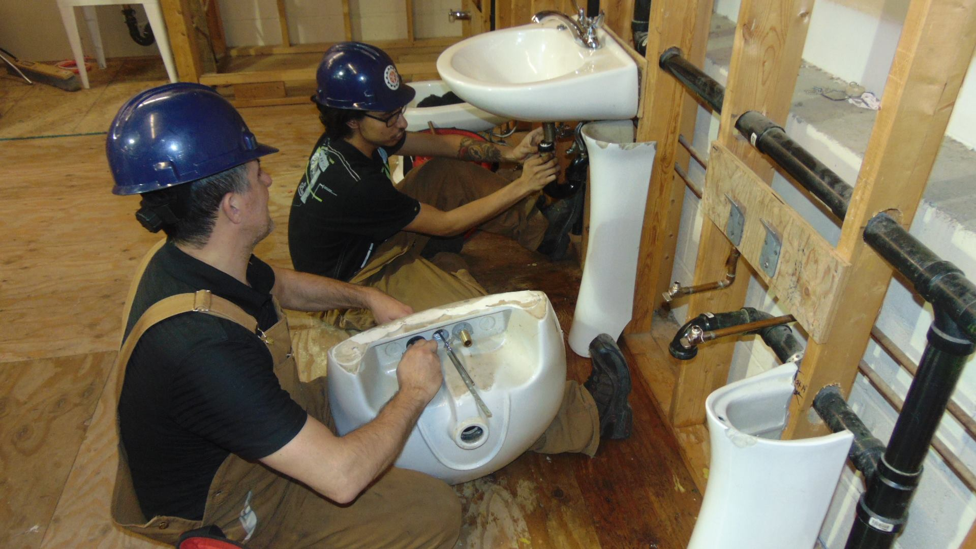 Look For These Qualities in a Good Emergency Plumber – Kids Off The Block